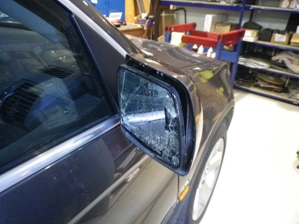side mirror repair 2002 bmw x5 pacific auto trim and glass. Black Bedroom Furniture Sets. Home Design Ideas